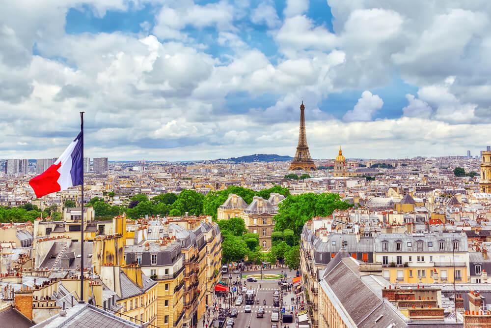 vistas sobre paris desde um dos seus miradouros