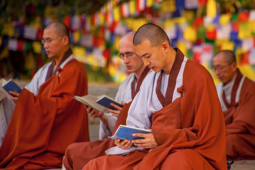 monges budistas no nepal