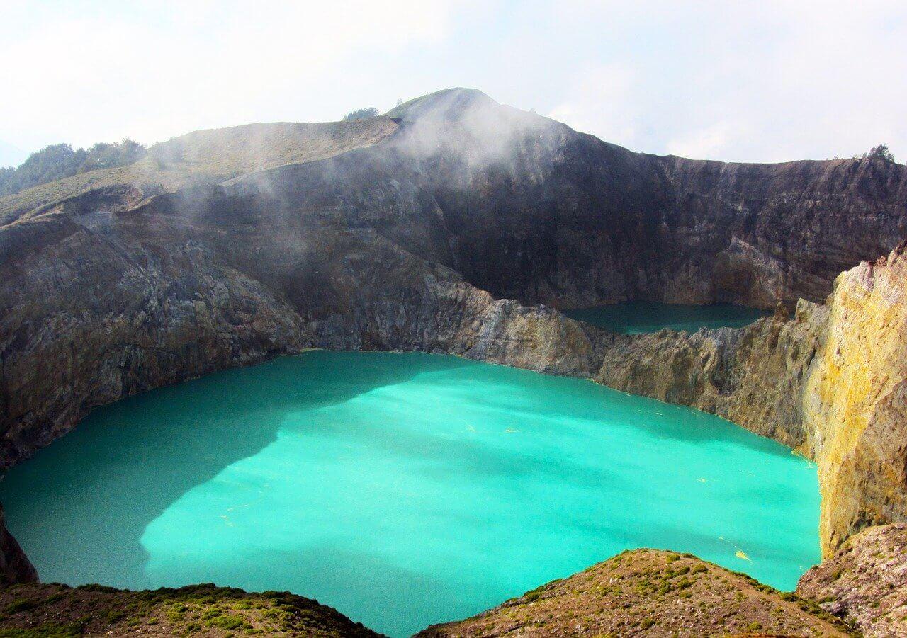 lagos kelimutu na ilha das flores