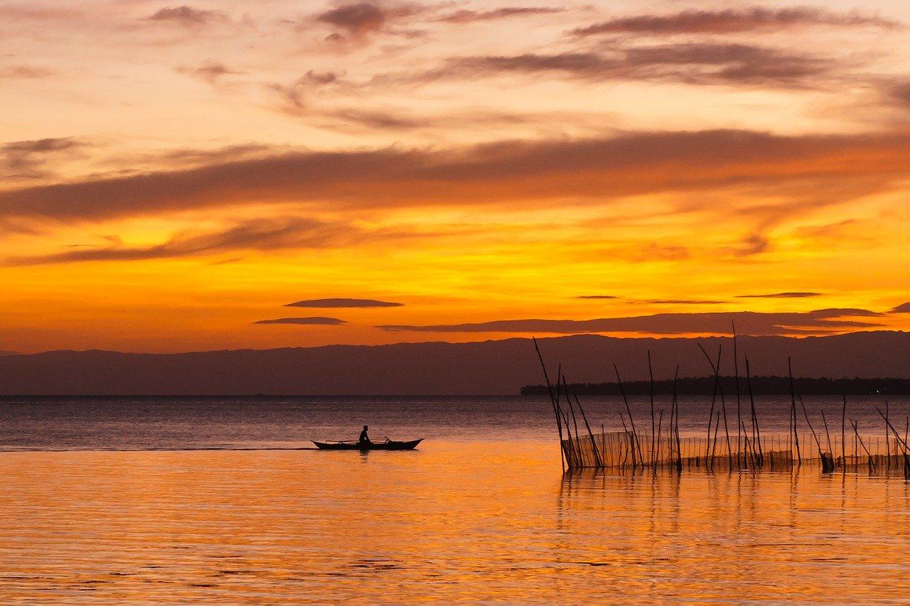 amanhecer no rio em bohol