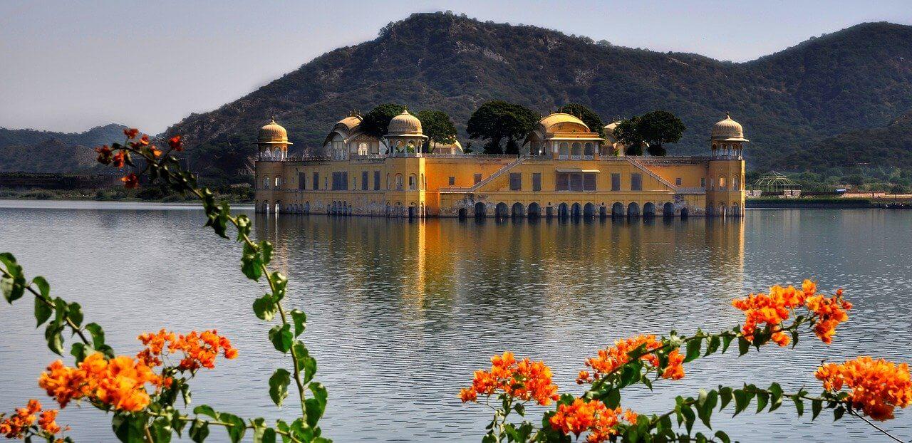 palacio de agua em jaipur