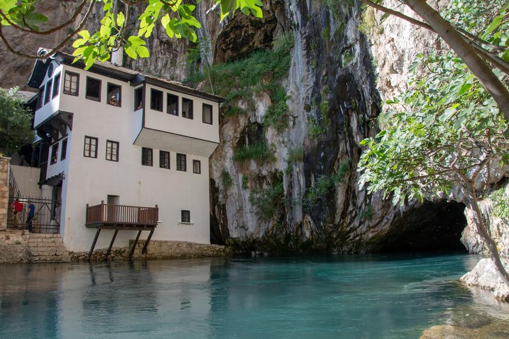 mosteiro de Blagaj Tekija Rio Buna