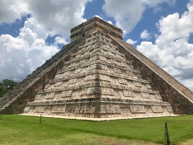 Pirâmide do Chichen Itzá no México