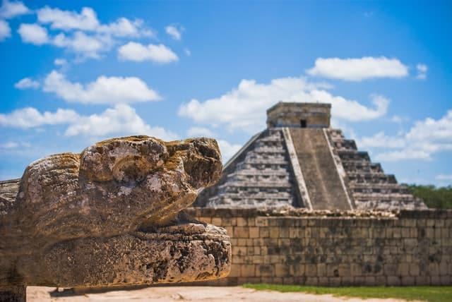 ruína maia chichen itza méxico