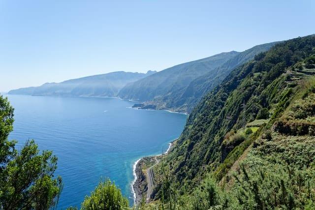Uma vista bonita da Eira da Achada na Madeira