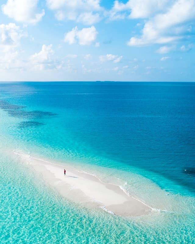 agua cristalina nas maldivas