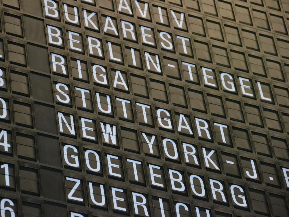 berlin tegel anzeigetafel flughafen