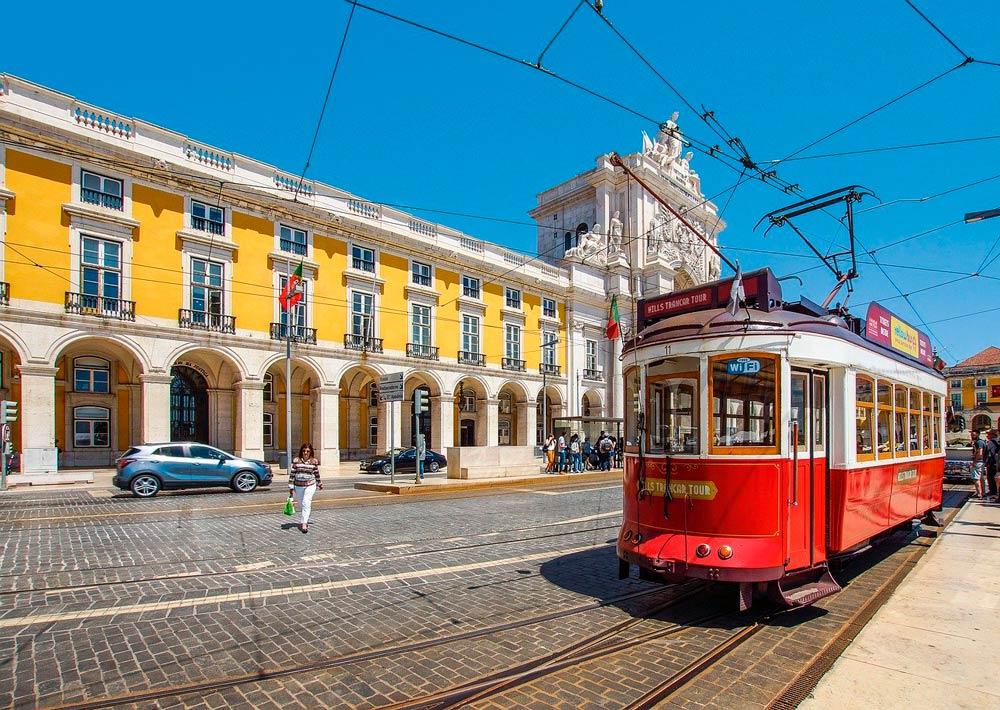 lissabon portugal tram alfama