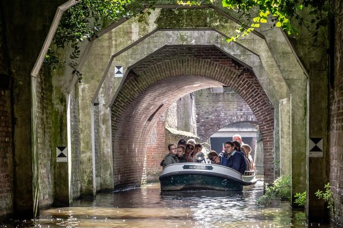 grachten grachtenfahrt kanal holland