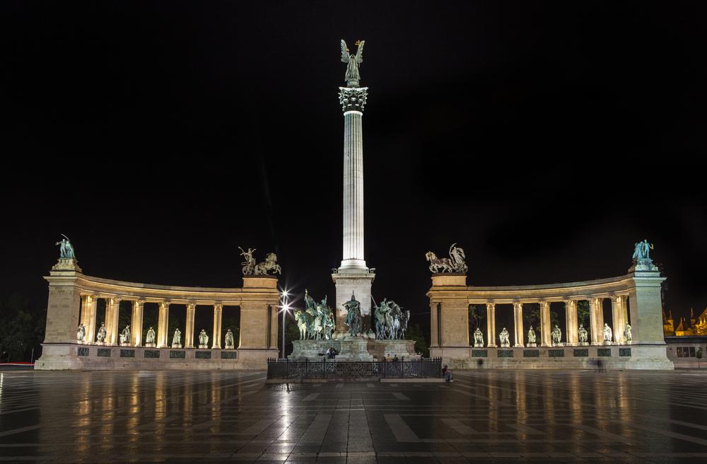 andráossy út budapest nacht